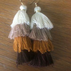 Super cute tassel earrings.   Gorgeous!